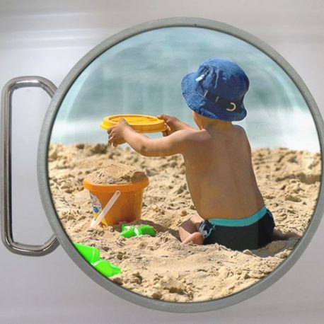 BOUCLE CEINTURE RONDE BRDAC avec enfant à la plage.