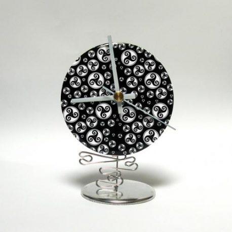 Petite horloge de bureau personnalisée.